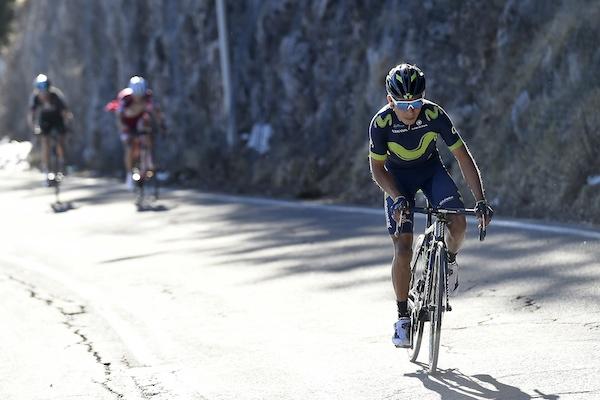 Nairo Quintana riding off ( LaPresse - D'Alberto, Ferrari)