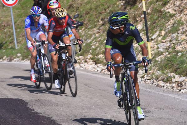 Nairo Quintana attacks Vincenzo Nibali and Thibaut Pinot (LaPresse - D'Alberto, Ferrari)