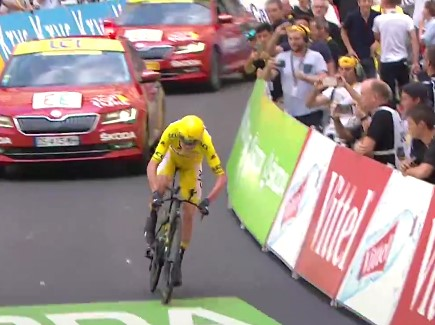 Chris Froome wins the 2017 Tour de France (via YouTube)